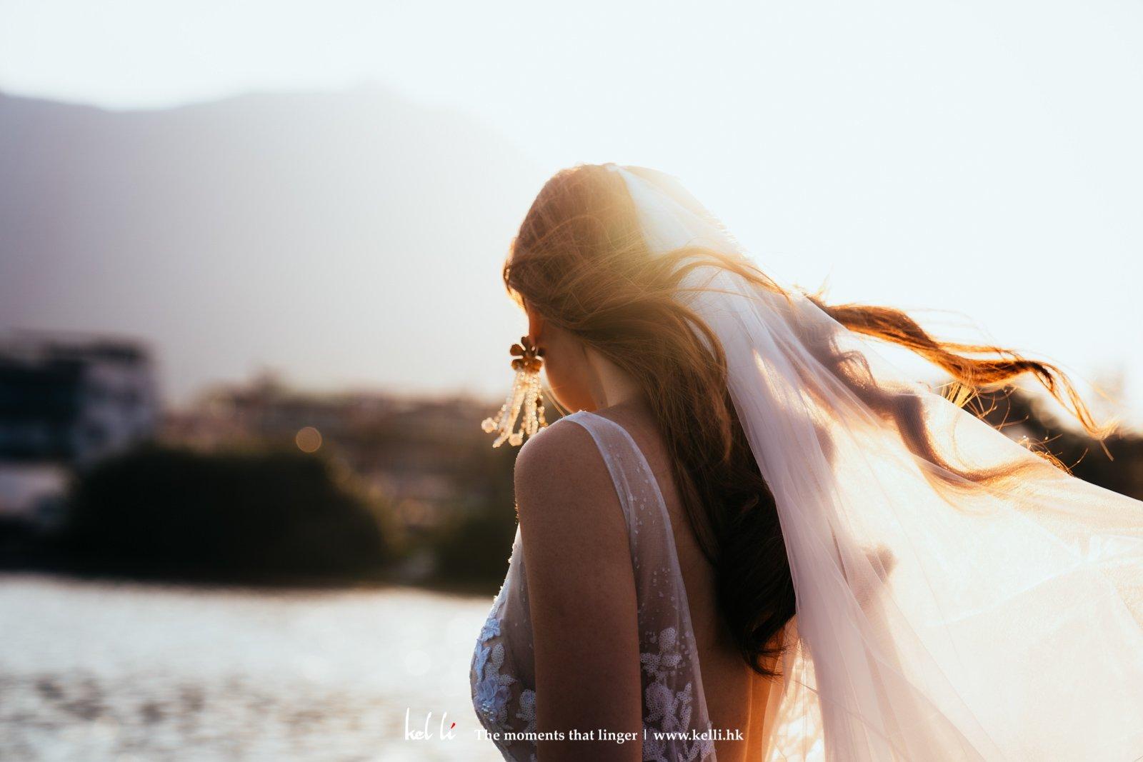 户外婚禮好處是可以盡情享受陽光的灑禮呢